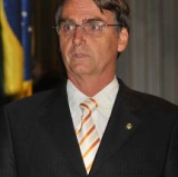 menor Jair-Bolsonaro
